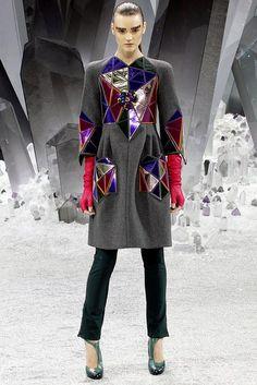 Segredos de Moda: Vestidos Chanel cósmicos