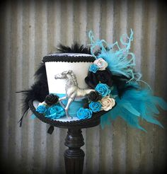 Kentucky Derby Mini Top Hat Derby Fascinator Black Blue and Black Fascinator, Kentucky Derby Hats, Cross Patterns, Paper Roses, Rose Bouquet, Fascinators, To My Daughter, Captain Hat, Diy Crafts