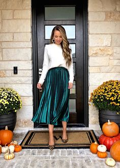 Party outfit - Christmas Party Outfits (Dressy to Casual) – Party outfit Green Skirt Outfits, Green Pleated Skirt, Satin Skirt, White Midi Skirt, Midi Rock Outfit, Midi Skirt Outfit, Winter Skirt Outfit, Midi Skirts, Christmas Party Outfits