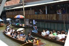 """One of the most famous tourist spots in Thailand, the """"floating market """"  I personally took this picture :)"""