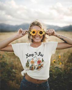 Pin by kayla lane on dream photo shoot городская фотография, Artsy Photos, Cute Photos, Pictures Of Girls, Happy Photos, Pictures Of People, Cute Pictures, Beautiful Pictures, Photo Portrait, Female Portrait