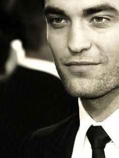 """Para fechar """"bem"""" o dia...Rob e seu olhar sexy."""