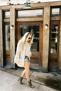 How to wear a sweater with shorts | Spring outfit inspiration | spring wardrobe essentials | Vici Dolls | Vici Collection