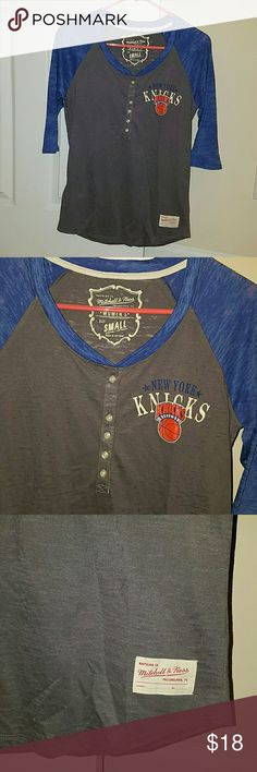 Mitchell & Ness Knicks Henley t-shirt NWOT Mitchell & Ness New York Knicks 3 quarter sleeve Henley tshirt in Ash/Royal blue gray. Never used. Mitchell & Ness Tops Tees - Long Sleeve