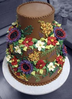 Unusual to see all buttercream cakes these days!