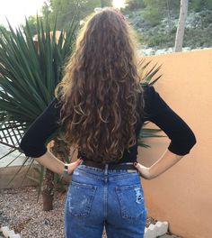 well my hair is kinda like this but shorter and uglier but idk how to make my ha… – wavy hair Curly Hair Styles, Natural Hair Styles, Long Wavy Hair, Wavy Perm, Wavy Curls, Loose Curl Perm, Layered Curly Hair, Short Hair, Hippie Look