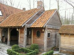 oak beam carport - like the combination of wood and red pantiles Porch Veranda, Belgian Style, Backyard Sheds, Garden Buildings, Cabins And Cottages, Cozy Cottage, Pool Houses, House In The Woods, Log Homes