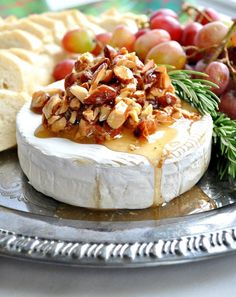 Honey Almond Baked Brie Christmas Dinner Recipe Idea