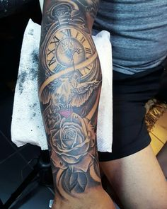 Tattoo paloma rosa y reloj Pi Tattoo, Tattoos, Pink, Watch, Tattoo, A Tattoo, Tattoo Ink, Tattoo Designs