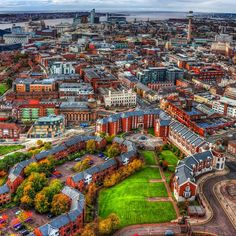 Great view of the city from the Liverpool Anglican Cathedral 👌🏼Liverpool, England Liverpool History, Liverpool Home, Ringo Starr, George Harrison, Oh The Places You'll Go, Cool Places To Visit, John Lennon, Beatles, Rio Tamesis
