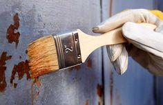 A corrosão dos metais é um processo químico, em que um metal perde elétrons em contato com agentes naturais, como o oxigênio e a umidade. A deterioração de um metal pela oxidação é, portanto, um fenômeno natural e frequente. A oxidação do ferro é popularmente conhecida por ferrugem. como preservar metais em casa. ferrugem corrosão