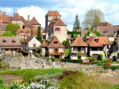 Loubressac Classé plus beaux villages de France Guide du tourisme dans le Lot Midi-Pyrénées