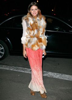 Not my favorite style icon, but this combination is beautiful! Especially the skirt and fur coat!