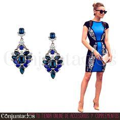 Estos preciosos #pendientes son un accesorio elegante que convertirá tu look en un outfit de fiesta con el mínimo esfuerzo ★ 13,95 € en https://www.conjuntados.com/es/pendientes-con-piedras-negras-y-azul-klein.html ★ #novedades #earrings #conjuntados #conjuntada #joyitas #lowcost #jewelry #bisutería #bijoux #accesorios #complementos #moda #fashion #fashionadicct #picoftheday #outfit #estilo #style #GustosParaTodas #ParaTodosLosGustos