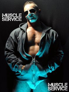 Happy MuscleService Monday, men. #muscleservice #muscle #webcam #crew #respectthemuscle #respectforyou #norunningmeter
