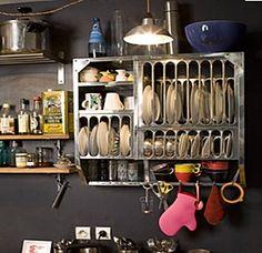 Love this little vaisselier Interiores Design, Cottage Style, Shoe Rack, Home Kitchens, Armoire, Shelves, Spaces, Storage, House