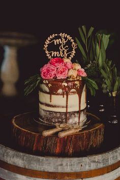 chocolate drip wedding cake by Tome