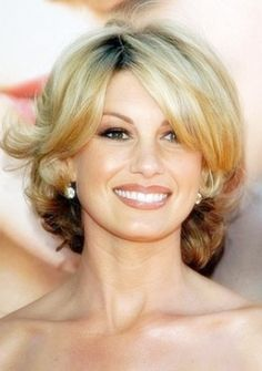 Beautiful Hairstyles For Women Over 40