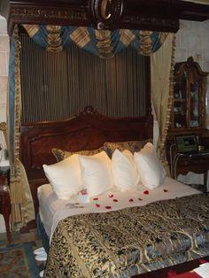 Cinderella's Castle Suite: Bedroom