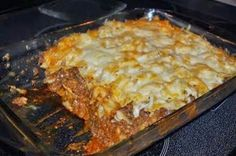 Cheesy Layered Ground Beef and Pasta Casserole ~ Recipe of today