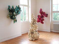 Angelika Arendt, PU-Schaum, verschiedene Materialien