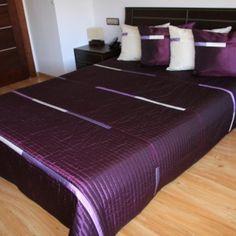 Luxusný prehoz na posteľ fialovej farby Bed, Table, Furniture, Home Decor, Decoration Home, Stream Bed, Room Decor, Tables, Home Furnishings