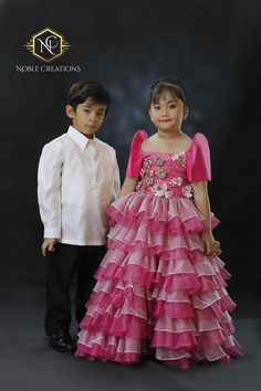 Filipiniana Cute Little Kids in Barong and Mestiza Gown. Filipiniana Wedding Theme, Modern Filipiniana Dress, Wedding Dresses, Barong Tagalog, Wedding Themes, Wedding Ideas, Philippines Culture, Costumes Around The World, Kids Gown