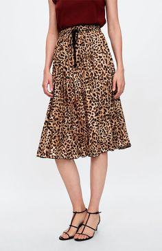 69182f1b70 21 faldas midi de Zara que querrás este otoño