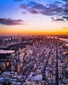 New York vibes by Chris Nova by newyorkcityfeelings.com - The Best Photos and Videos of New York City including the Statue of Liberty Brooklyn Bridge Central Park Empire State Building Chrysler Building and other popular New York places and attractions.