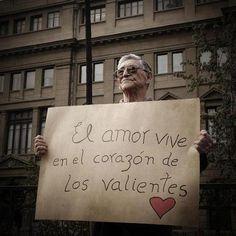 el amor vive en el corazón de los valientes <3