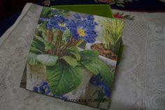 Caixa Vaso de Violetas - R$ 15,00 Cod. PCX 009 VENDIDO
