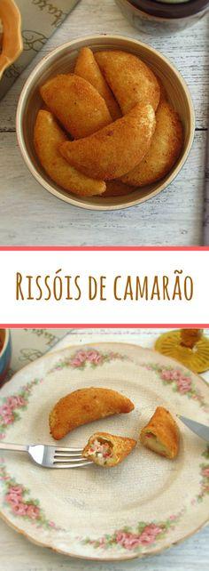 Rissóis de camarão | Food From Portugal. Os tradicionais rissóis de camarão são uma entrada de excelência na cozinha portuguesa. Saiba como prepará-los com a nossa receita. #rissóis #camarão #receita