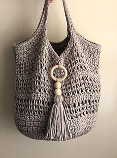 Ravelry: Mesh Market Bag pattern by Dana Hogan Free Crochet Bag, Crochet Market Bag, Crochet Tote, Crochet Handbags, Crochet Purses, Crochet Crafts, Quick Crochet, Boho Crochet Patterns, Crochet Bag Tutorials