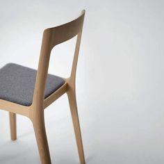 http://www.archidesignclub.com/magazine/rubriques/design/43817-chaise-hiroshima-par-naoto-fukasawa.html