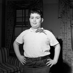 Vivian Maier, Amazing photography, take in the mid 1900's, but the negatives sat in boxes till her estate sale. The buyer found this gold mine of AMAZING photographs from a nannie who photographed as a hobby. Love this one especially. #chubbykidsarecutest Sept, 1953, New York, NY