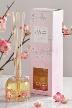 An irresistible fruity fragrance that combines apricot blossom with mango and mandarin. Candle Packaging, Flower Packaging, Packaging Ideas, Packaging Design, Aromatherapy Candles, Scented Candles, Perfume, Home Spray, Apricot Blossom