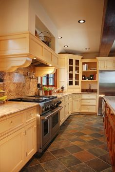 The Advantages of Using Slate Kitchen Floor:Luxurious Slate Kitchen Floor Simple Slate Kitchen Floor