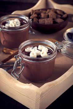 Healthy Food Dessert sans sucre : mousse au chocolat sans sucre How to lose weight fast ? Sugar Free Desserts, Köstliche Desserts, Chocolate Desserts, Healthy Desserts, Dessert Recipes, Healthy Recipes, Dessert Light, 100 Calories, Chocolates