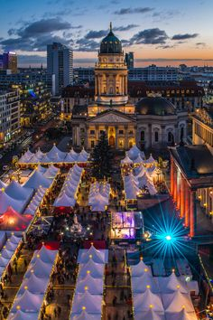 Berlin Gendarmenmarkt Weihnachtsmarkt by Jean Claude  Castor on 500px #Berlin #Germany