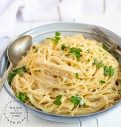 This Garlic Noodles Happily Unprocessed is a good for your dinner made with wholesome ingredients! Parmesan Noodles, Garlic Noodles, Garlic Parmesan, Pasta Noodles, Garlic Minced, Ramen Noodle Recipes, Pasta Recipes, Cooking Recipes, Skillet Recipes