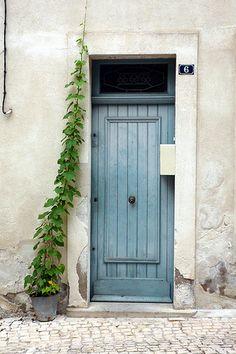 la porta azzurra | by lepustimidus