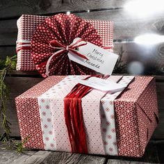 Share Tweet Pin Mail Are you feeling inspired to get creative with your gift wrapping this year? I'm feeling inspired but I should probably ...