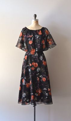 vintage 1970s dress / floral flutter sleeve 70s by DearGolden