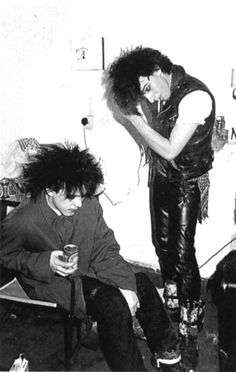 Robert Smith & Simon Gallup