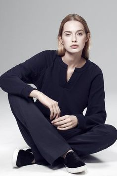 This Is The Minimalist Wardrobe You've Been Dreaming Of #refinery29  http://www.refinery29.com/atea#slide-18