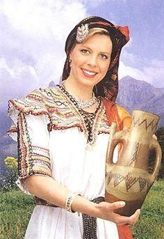 Femmes berbères (notamment les kabyles en autres...) - Femme kabyle