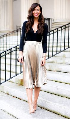nude+peated+skirt+++v+neck+longsleeve+and+amazing+heeles+pumps+from+Amazon+to+get+without+breaking+a+budget