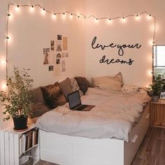 Cute Bedroom Ideas, Cute Room Decor, Room Ideas Bedroom, Girl Bedroom Designs, Teen Room Decor, Small Room Bedroom, Girls Bedroom, Teen Bedroom Lights, Diy Room Ideas