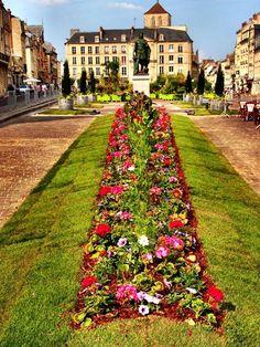 Monuments, Saint Sauveur, Caen, Sidewalk, Facebook, Rural Area, City, Landscape, Side Walkway