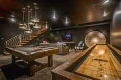 Turning Your Basement into the Ultimate Man Cave Can Be Fun - Man Cave Home Bar Man Cave Designs, Man Cave Basement, Man Cave Garage, Basement Bathroom, Man Cave Bar, Modern Man Cave, Ultimate Man Cave, Modern Basement, Staircase Railings